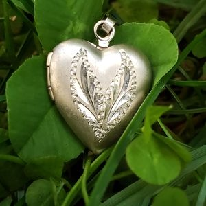 WWII Sterling V For Victory Sweetheart Locket